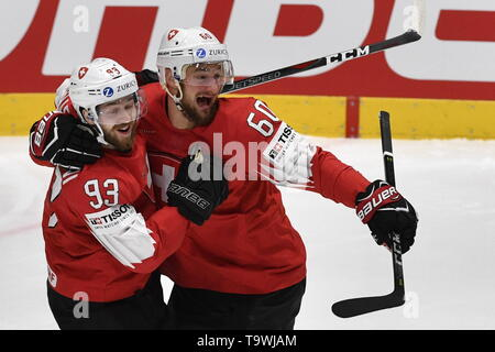 Bratislava, Slovakia. 21st May, 2019. L-R Lino Martschini and Tristan Scherwey (both SUI) celebrate first goal during the match between Czech Republic and Switzerland within the 2019 IIHF World Championship in Bratislava, Slovakia, on May 21, 2019. Credit: Vit Simanek/CTK Photo/Alamy Live News - Stock Image