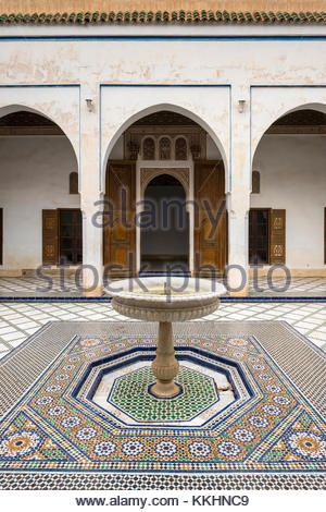 Morocco, Marrakech-Safi (Marrakesh-Tensift-El Haouz) region, Marrakesh. Tiled courtyard with fountain at Bahia Palace - Stock Image