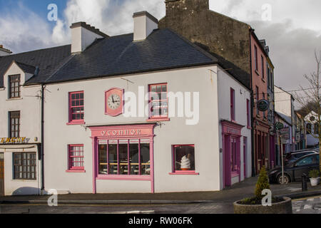 O'Connor's Ice Cream Shop and Cafe in Ennistymon in County Clare in Ireland - Stock Image