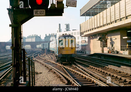 Brighton Belle approaching Victoria Station - Stock Image