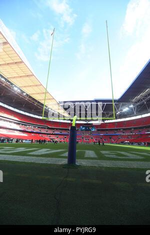 London, UK. 28th Oct 2018. 28th October 2018 LONDON London UK - Atmosphere  at the Philadelphia Eagles at Jacksonville Jaguars NFL game - credit Glamourstock Credit: glamourstock/Alamy Live News - Stock Image