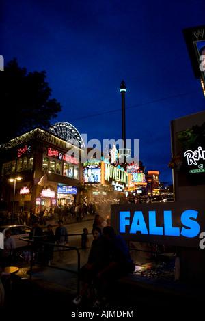 Niagara Falls Clifton Hills Tourist Area at night - Stock Image