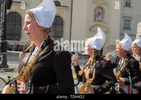 Crescendo Opende Bicycle Band from Netherlands performing at the Sibiu International Theatre Festival from Sibiu, - Stock Image