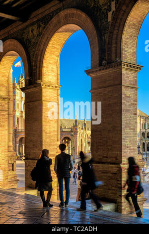 Visitors at Plaza de España, Seville, Spain. - Stock Image