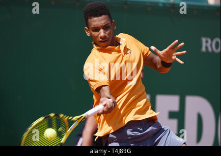 Roquebrune-Cap-Martin, France. 17th Apr, 2019. Felix Auger-Aliassime (CAN) Tennis : Men's Singles 2nd Round match during Monte Carlo Masters at Monte Carlo Country Club in Roquebrune-Cap-Martin, France . Credit: Itaru Chiba/AFLO/Alamy Live News - Stock Image