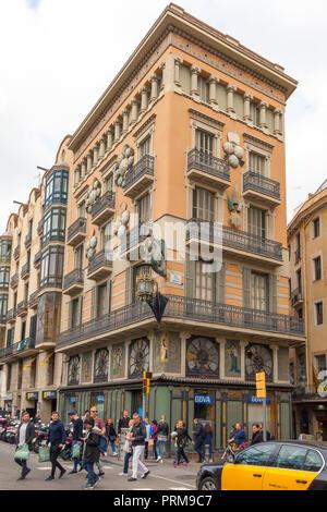 Las Ramblas, Casa Bruno Cuadros by Josep Vilaseca, Barcelona. Spain. - Stock Image