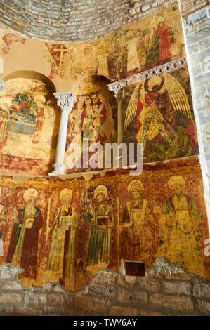Gothic mural paintings of the XI century romanesque church of Santa María de Iguácel in Garcipollera valley (Larrosa, Huesca, Aragón, Pyrenees, Spain) - Stock Image