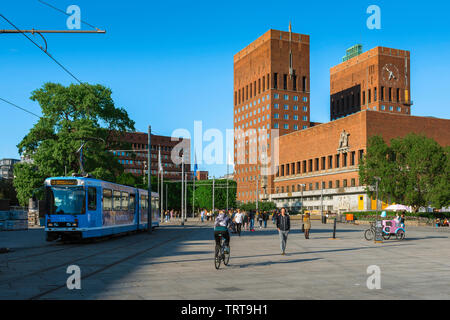City Hall Oslo, view across Oslo City Square (Radhusplassen) towards the City Hall building (Radhus) in the Aker Brygge area of Oslo, Norway. - Stock Image