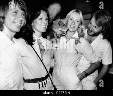 ABBA in white jumpsuits in the mid-1970's (L-R) Björn Ulvaeus, Anni-Frid Lyngstad (Frida), Agnetha Fältskog, - Stock Image