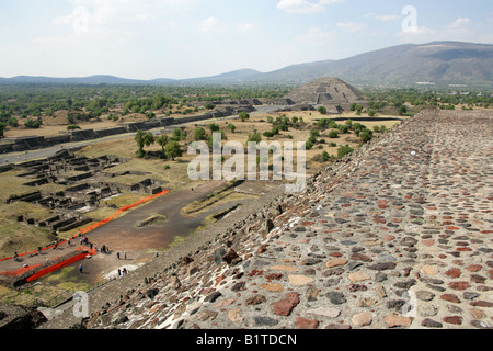 The Pyramid of the Moon and the Avenue of the Dead from the Pyramid of the Sun, Teotihuacan, Mexico - Stock Image
