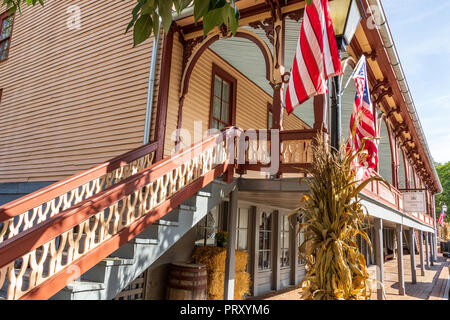JONESBOROUGH, TN, USA-9/29/18: The historic Chester Inn, on Main Street. - Stock Image