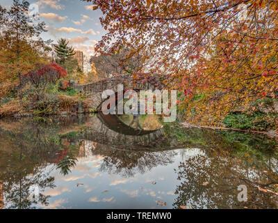 Gapstow bridge in Central Park, New York City in late autmn - Stock Image