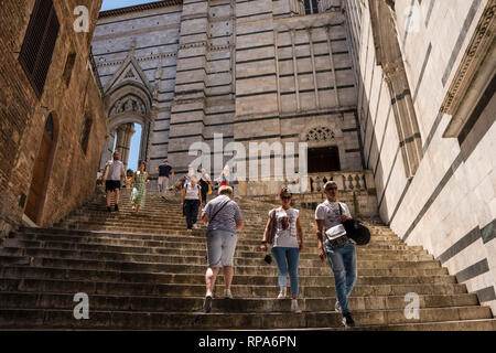 Steps to Duomo di Siena (Siena Cathedral), Tuscany, Italy - Stock Image