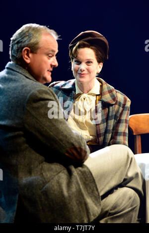 Hugh Bonneville as C.S. Lewis and Liz White as Joy Gresham in Shadowlands by William Nicholson at Chichester Festival Theatre, West Sussex, UK. 1 May  - Stock Image