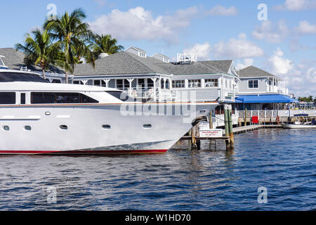 Fort Lauderdale Ft. Florida 15th Street Fisheries restaurant Intracoastal Waterway Stranahan River marina waterfront yacht refle - Stock Image