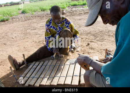 Lobi xylophone player, Talawona, Wechiau Community Hippo Sanctuary, near Wa, Ghana. - Stock Image