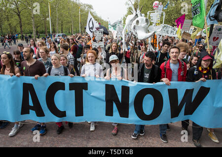 London, UK. 23rd April 2019. Climate change activists from Extinction Rebellion march from Marble Arch to Parliament Square to hold an assembly outsid - Stock Image