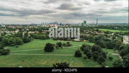 Aerial view of the skyline of central London from a park - Stock Image