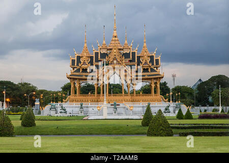 Memorial Crowns of the Auspice, Dusit Palace, Bangkok, Thailand. - Stock Image