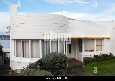 Streamline or Ocean Liner style 1940s home at Battery Point, Hobart, Tasmania, Australia - Stock Image