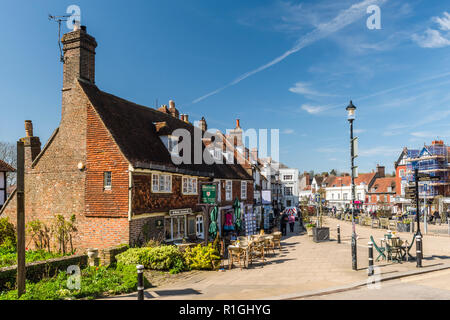Looking down Battle High Street, Battle, East Sussex, England - Stock Image