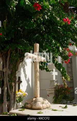 cross grave graves graveyard graveyards yard yards faith religion religions christian symbol  crosses - Stock Image