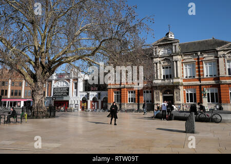 Brixton street scene with Tate Central Free Public Library street view of building in Brixton, Lambeth South London UK  KATHY DEWITT - Stock Image