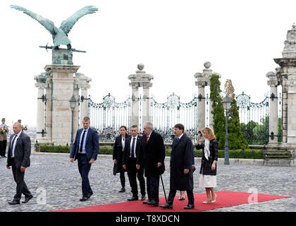 Budapest, Hungary. 15th May, 2019. Czech President Milos Zeman (3rd from right) and his wife Ivana Zemanova (not seen) meet with Hungarian President Janos Ader (2nd from right) and his wife Anita Herczegh (right) on May 15, 2019, in Budapest, Hungary. Credit: Katerina Sulova/CTK Photo/Alamy Live News - Stock Image