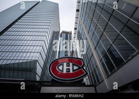 MONTREAL, CANADA - NOVEMBER 3, 2018: Montreal Canadiens logo, known as Canadiens de Montreal, in front of their main arena, the Centre Bell. Canadiens - Stock Image