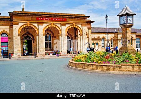 Saltburn Railway Station, Saltburn by the Sea, North Yorkshire, England - Stock Image