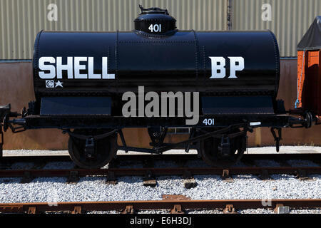 Vintage Shell BP railway tanker perfectly restored on West Somerset Railway. - Stock Image