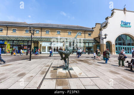 The Spirit Of Cricket, Sculptor Allan Sly,  Bronze sculpture, Hastings Town Centre, East Sussex, England , UK - Stock Image