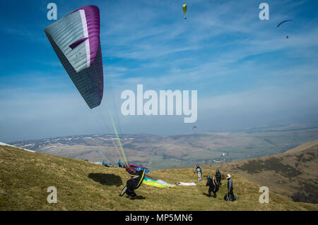 Paragliders, Peak District, UK. - Stock Image