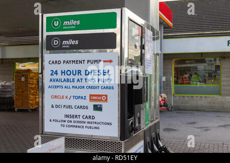 sign for 24 hour petrol or gas pump - Stock Image