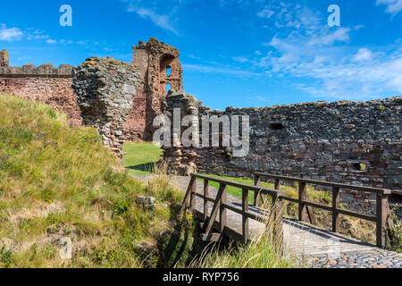 The East Tower from the Outer Gate, Tantallon Castle.  Near North Berwick, East Lothian, Scotland, UK - Stock Image
