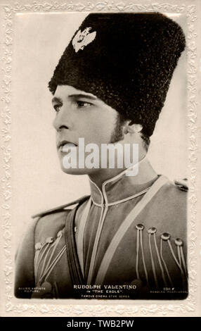 Rudolph Valentino in 'The Eagle', an Allied Artists Picture. The film is a 1925 American silent film directed by Clarence Brown and starring Valentino, Vilma Banky, and Louise Dresser.Based on the novel Dubrovsky by Alexander Pushkin, the film is about a lieutenant in the Russian army who catches the eye of Czarina Catherine II.     Date: circa 1925 - Stock Image