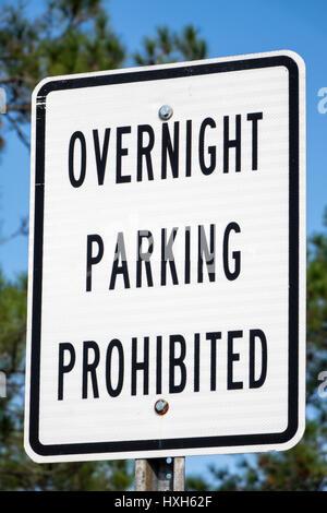 Overnight Parking prohibited sign - Stock Image