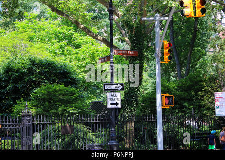 NEW YORK, NY - JUNE 22: Street signs on the corner of Irving Place and Gramercy Park South, Gramercy Park Historic District, Manhattan on JUNE 22nd, 2 - Stock Image
