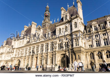 Exterior of the Hotel de Ville city administration building in Paris, France. - Stock Image