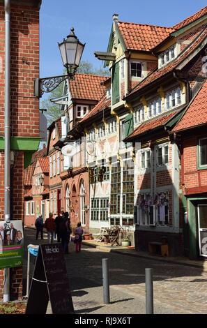 Europa, Deutschland, Niedersachsen, Metropolregion Hamburg, Lauenburg, Elbe, Elbstraße, Altstadt, historische Bebauung - Stock Image