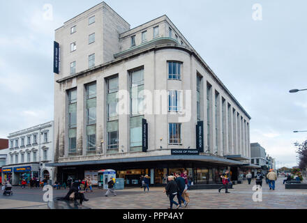 House of Fraser store, formerly Binns  built 1950's Art Deco style architecture in Middlesbrough Cleveland UK with  people walking - Stock Image