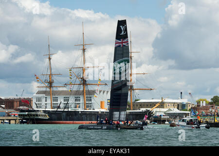 Portsmouth, UK. 25th July 2015. Landcover BAR heads towards the rest of the teams passing HMS Warrior just prior - Stock Image