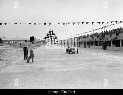 MG K3, Billy Cotton, W.Wilkinson, finished 3rd Brooklands Junior Car Club International Trophy 2/8/1937 - Stock Image