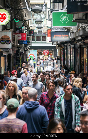 Lane full of people in Melbourne. - Stock Image