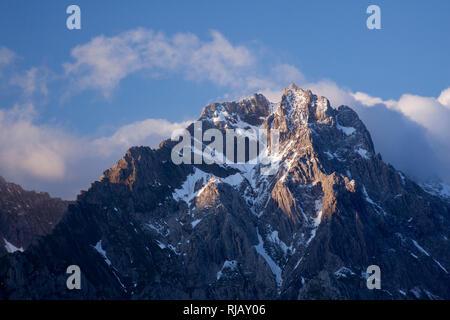 Blick von Granatsch auf den Kamm der Eisenspitze, Lechtaler Alpen, Tirol, Österreich. - Stock Image