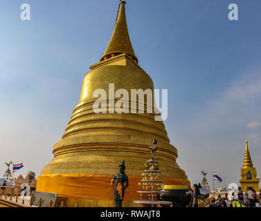 Golden stupa in the Golden Mount in Bangkok in Thailand - Stock Image