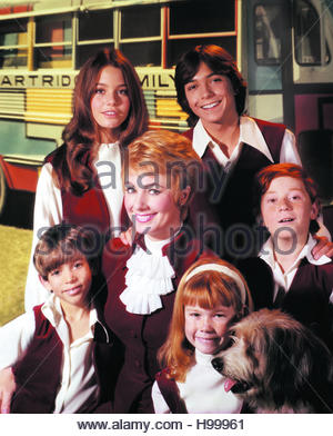 PARTRIDGE FAMILY circa 1970s.  Clockwise from front row:  Jeremy Gelbwaks, Shirley Jones, Suzanne Crough, Danny - Stock Image