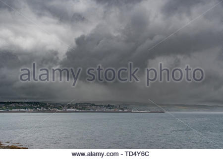 Penzance, Cornwall, UK. 12th June 2019. UK Weather. Yet another grey, wet start to the day over the far south west of Cornwall. Credit Simon Maycock / Alamy Live News. - Stock Image