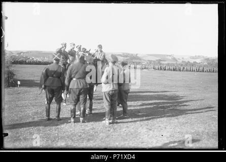 74 Narcyz Witczak-Witaczyński - Zawody konne w 2 Dywizji Kawalerii (107-748-5) - Stock Image