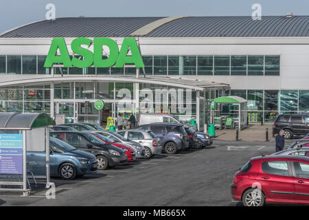 Death of the High Street metaphor / concept - Exterior of the ASDA Bodmin store, Cornwall. Out of town shopping concept. - Stock Image